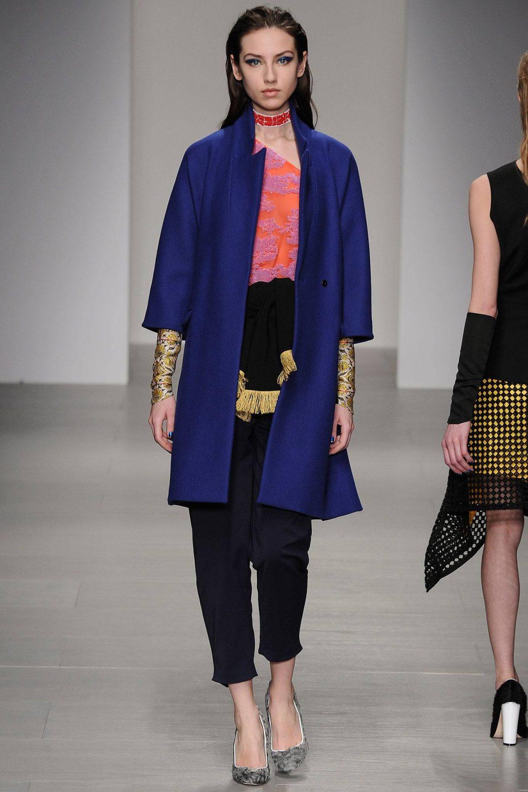 https://ratatum.com/wp-content/uploads/2017/10/Osman-Fall-Winter-2014-2015-Fashion-Advices-7-1068x1601.jpg