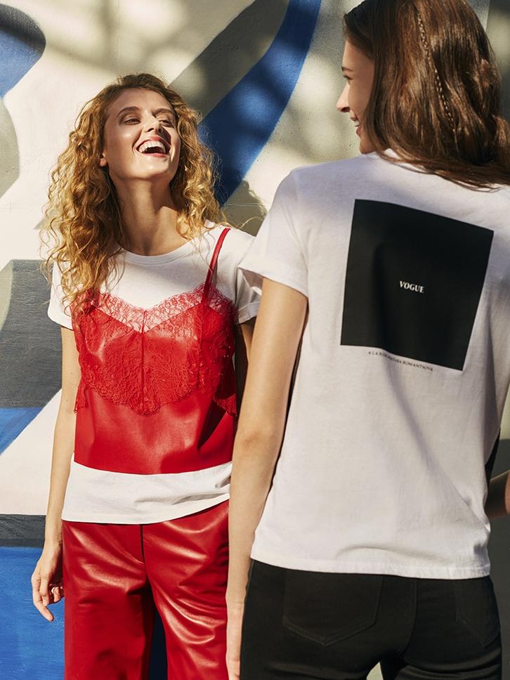 0b4752dc73618 Женские футболки прошли долгий путь от полки с бельем до гламурных  подиумных показов. Сегодня каждая представительница слабого пола, вне  зависимости от рода ...
