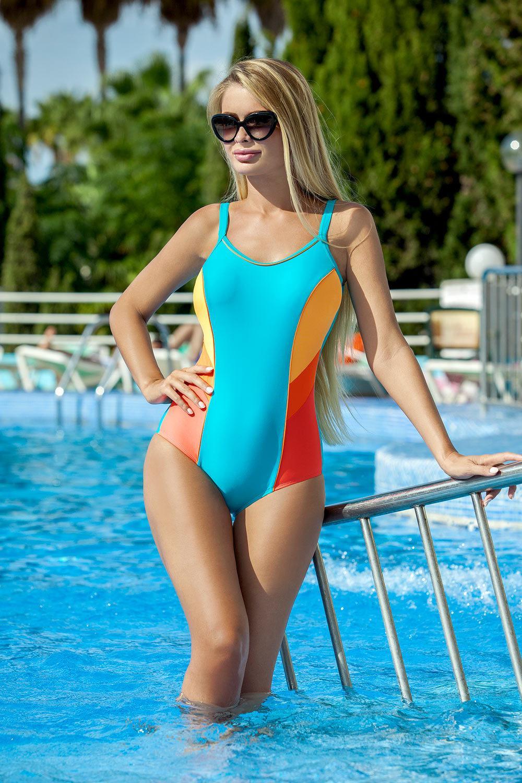 Модные купальники: тенденции 2018