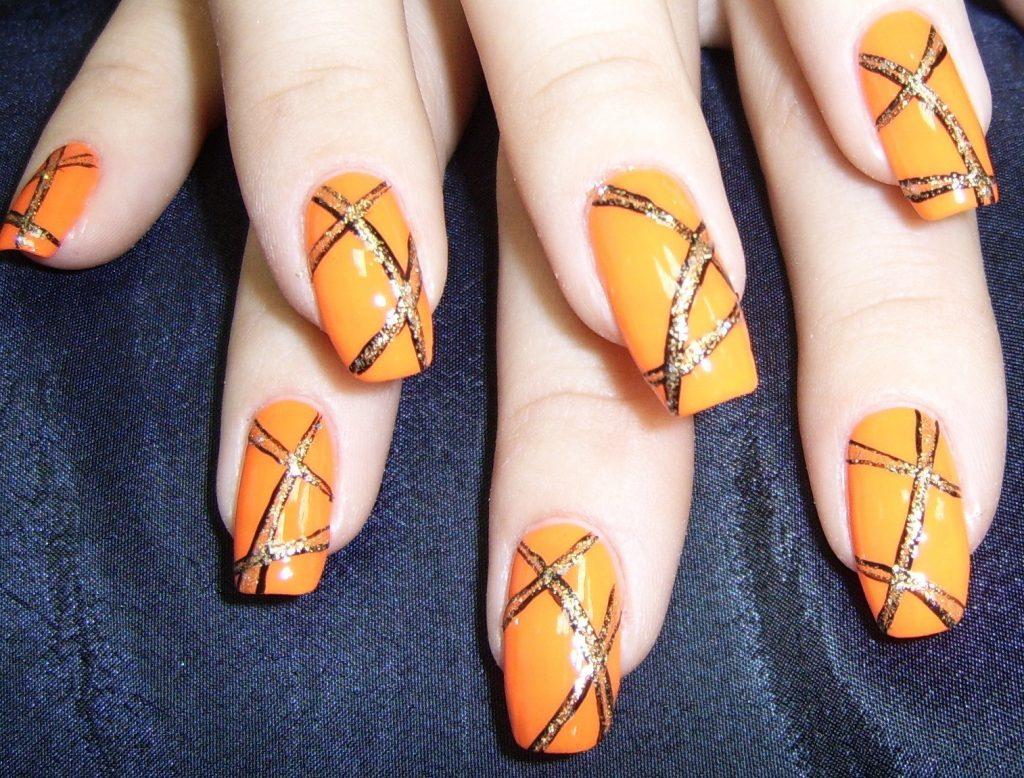 Рисунки лаком на ногтях простые иголкой