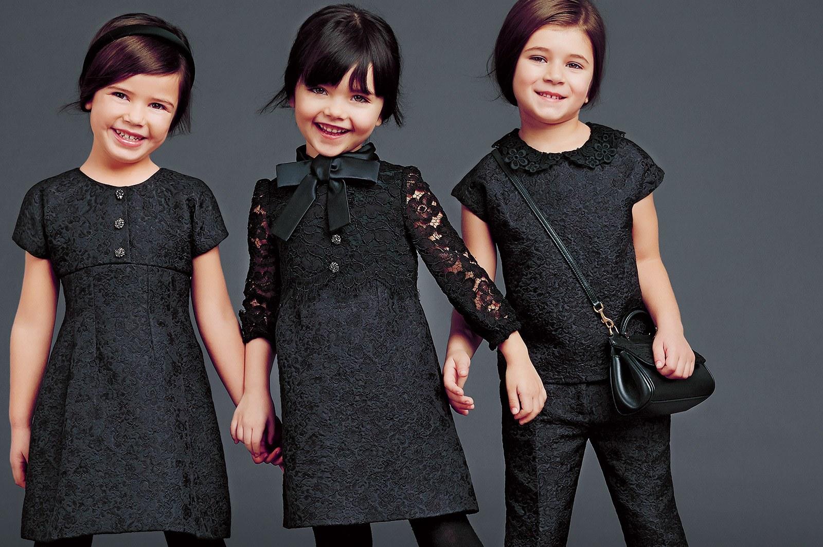 Школьная форма для девочек 2018 - 2019: самые стильные костюмы для начальной школы