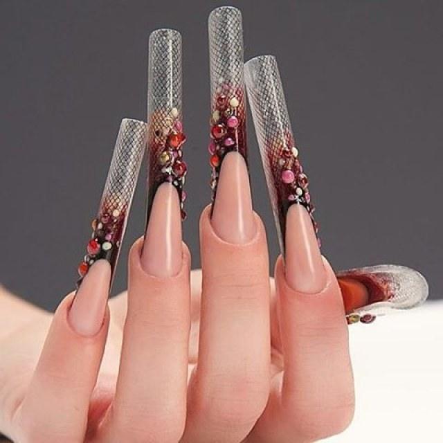 Нарощенные ногти с маникюром 53