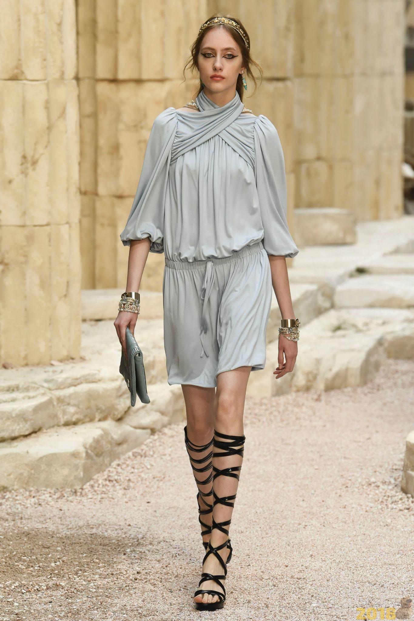 ffef0f03f66 La collection printemps-été Chanel 2018 a offert aux femmes de la mode les  images les plus diverses et les plus stylées