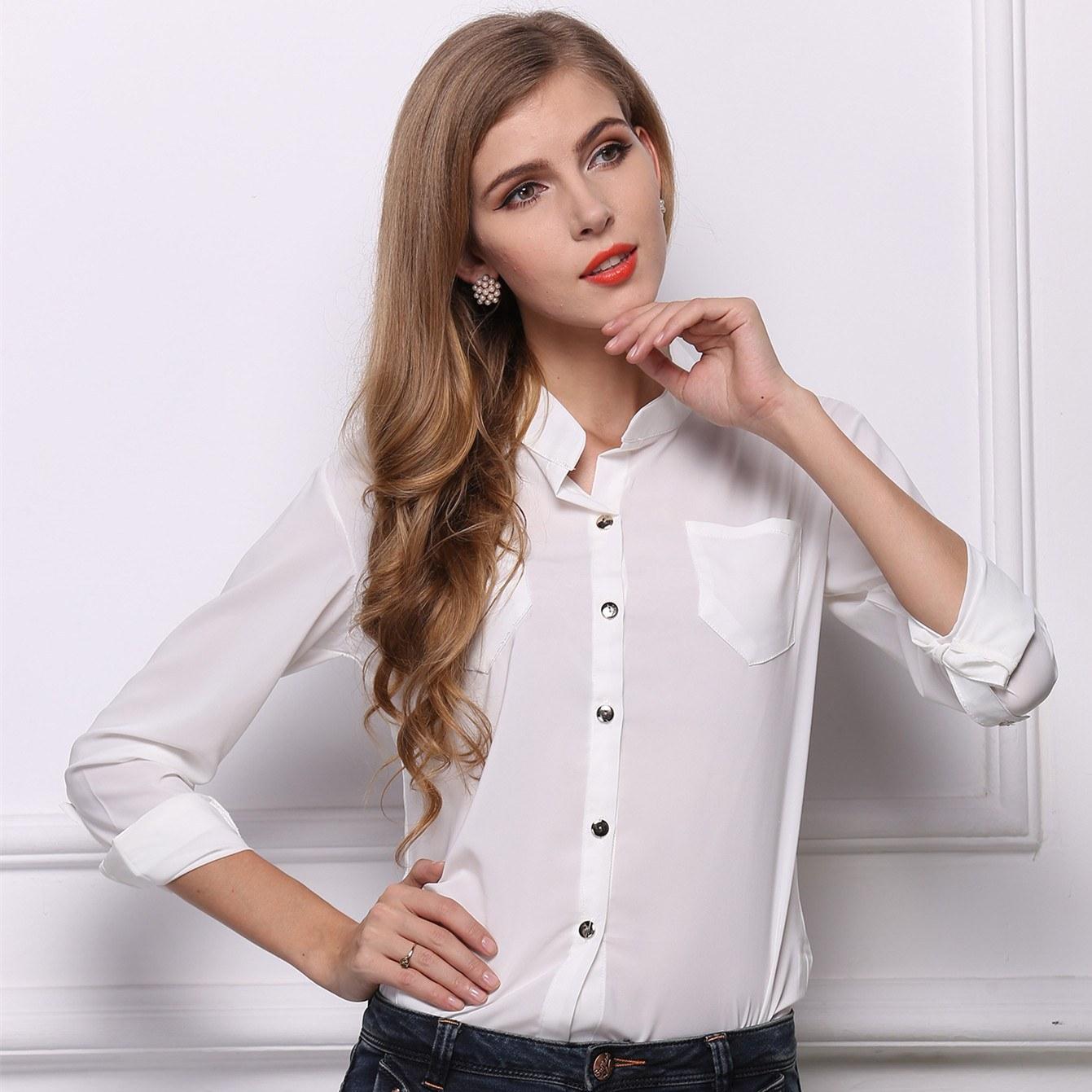 Сексуальные девушки в гладких рубашках