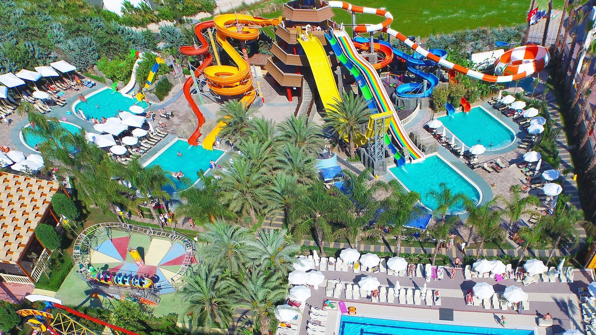 Отели предлагают массу развлечений своим маленьким постояльцам.