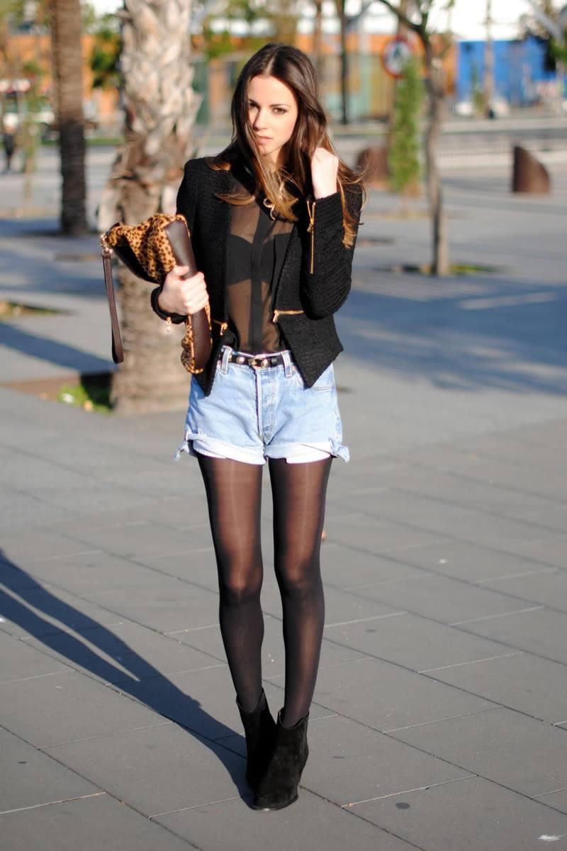 Фото девушка в джинсах шортах и юбках