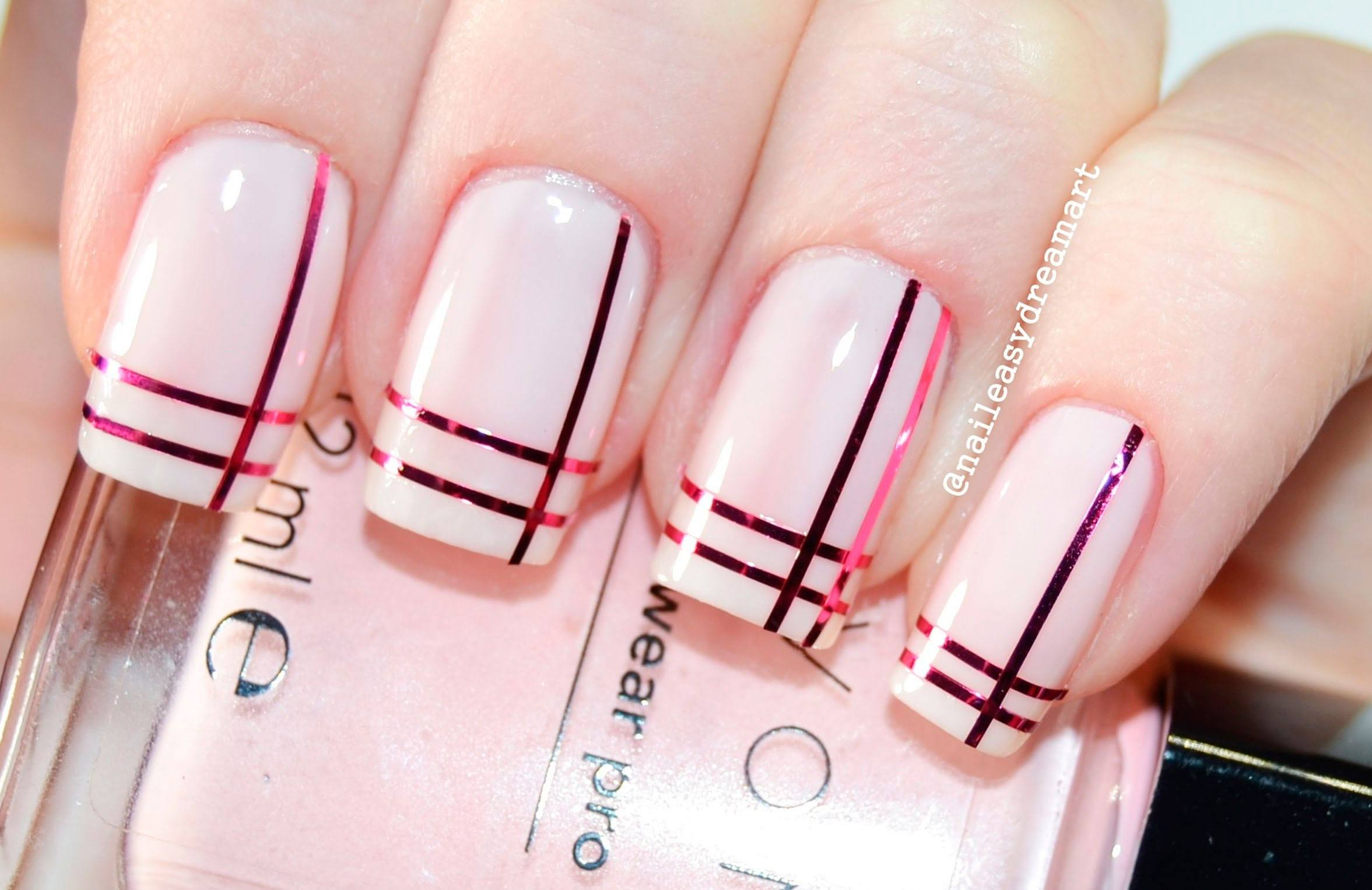Розовый Лак Серый Фото