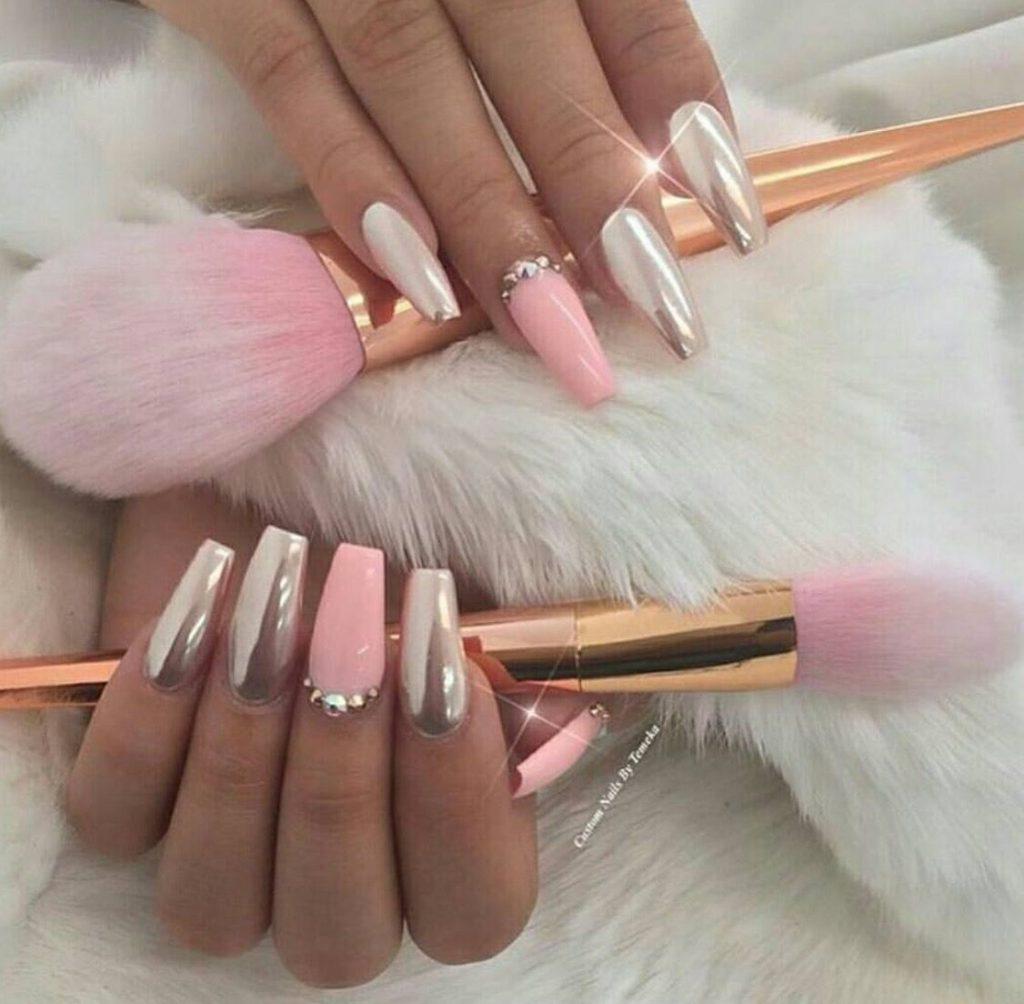 24 модных новинок: Розовый маникюр и дизайн ногтей 24 на фото
