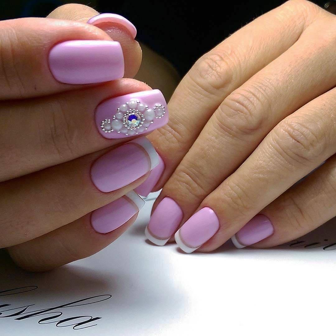 Удивительно современный дизайн ногтей со стразами