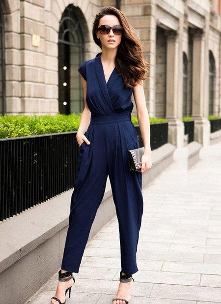 Bezpočet rôznych štýlov a odtieňov módnych kombinézy umožní každej dámke  nájsť oblečenie podľa vášho záujmu a vašej postavy. 12cac2123e0