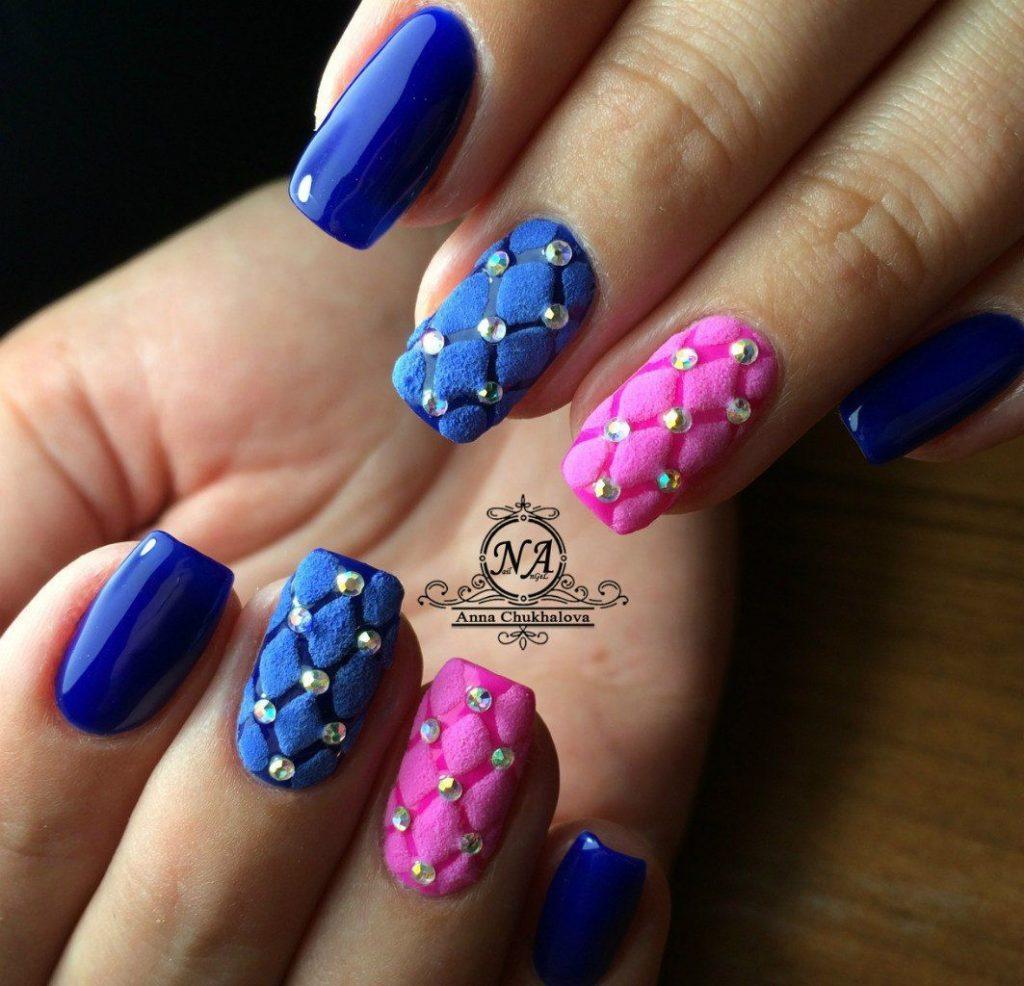 Синий маникюр: модные новинки дизайна ногтей 23 на фото