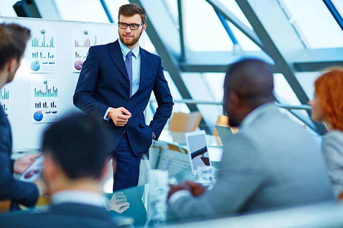 Изображение - Самые востребованные и высокооплачиваемые профессии в россии Business-Manager-compressor