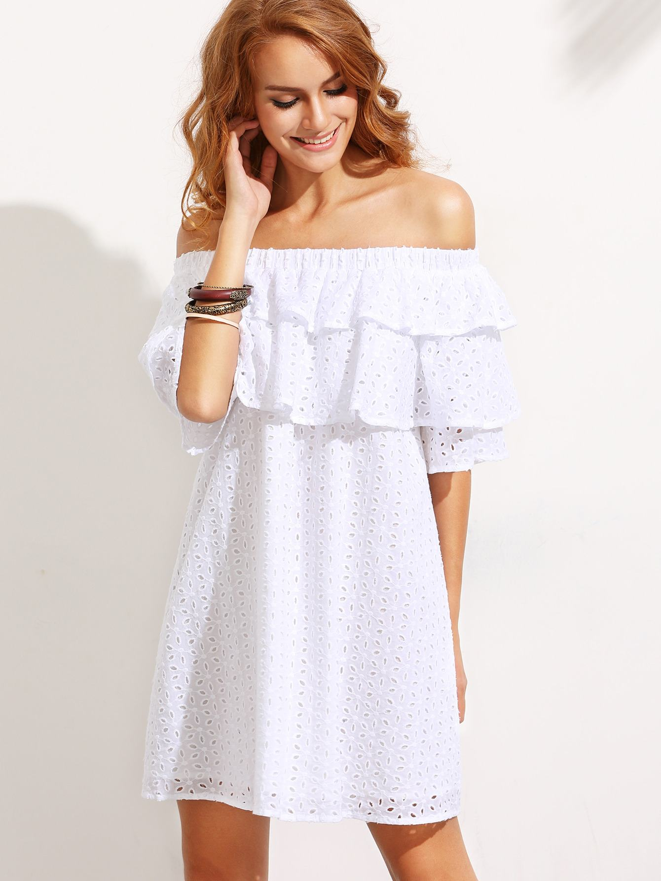 8d778548521 Блузы и платья с открытыми плечами создают романтичный образ милой и нежной  барышни. Позволить себе подобные наряды может любая женщина