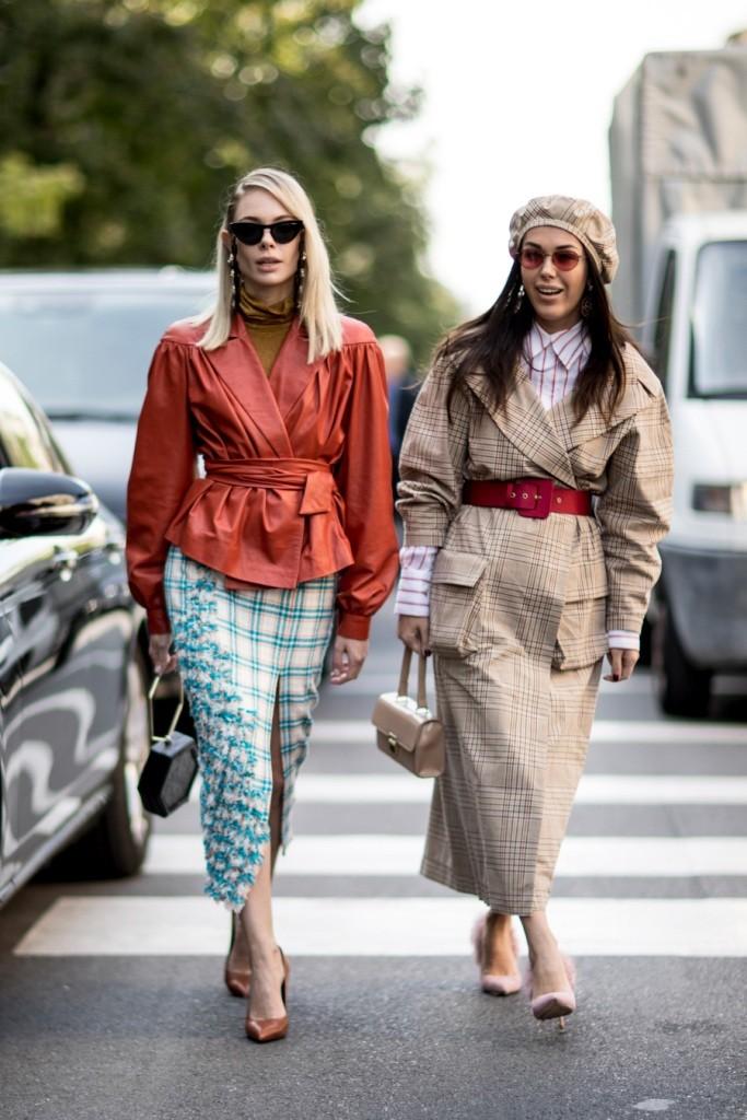7cd24626cb3 Уличная мода ЛЕТО 2018  100+ основных тенденций сезона на фото