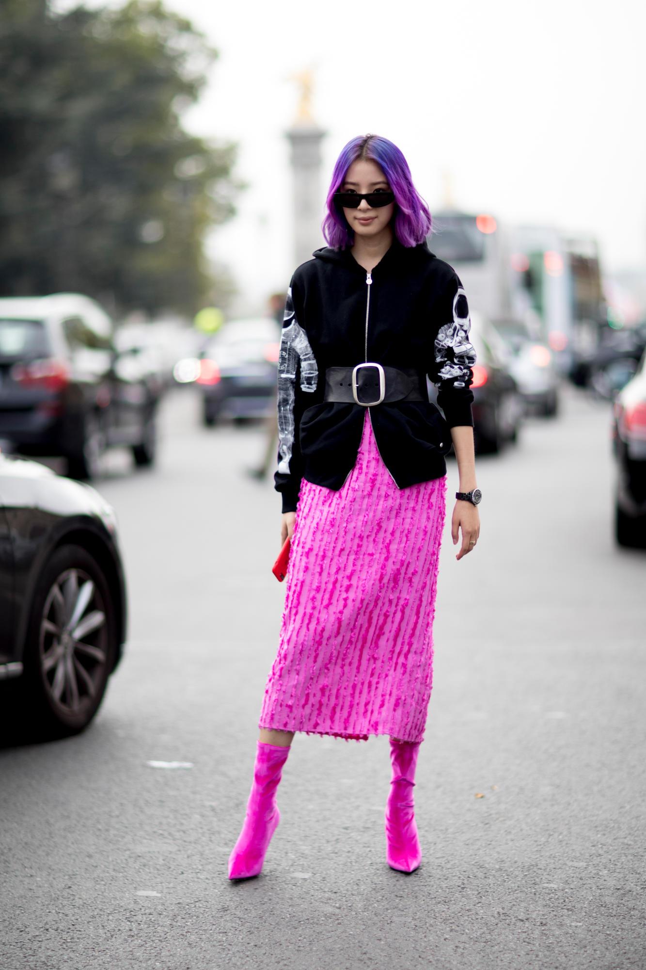 fac31d55388 Какие стильные луки будут наиболее востребованы в уличной моде 2018  Какими  вещами разнообразить свой повседневный гардероб