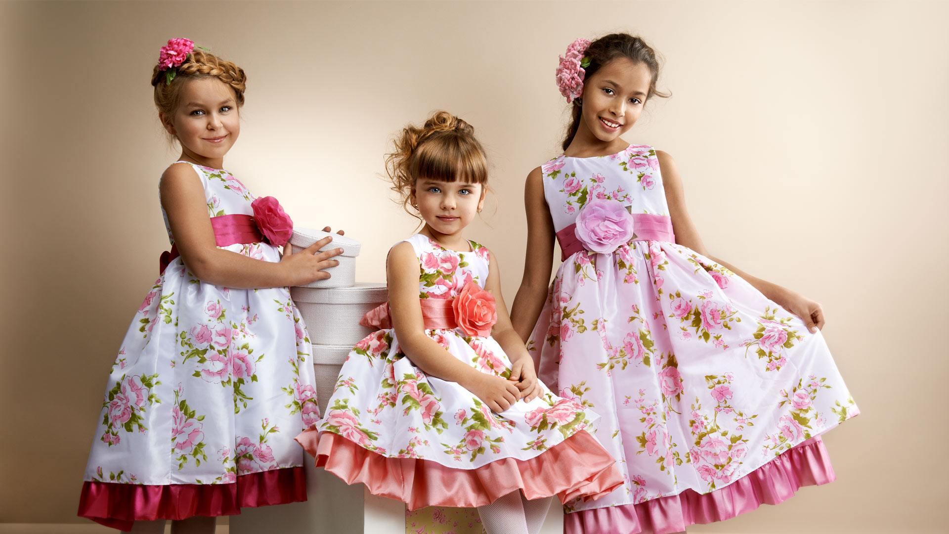 44827a192d82029 В гардеробе каждой маленькой модницы найдется нарядное платье для особых  случаев. Это обязательно нежное воздушное кружевное платье, в котором  ребенок ...