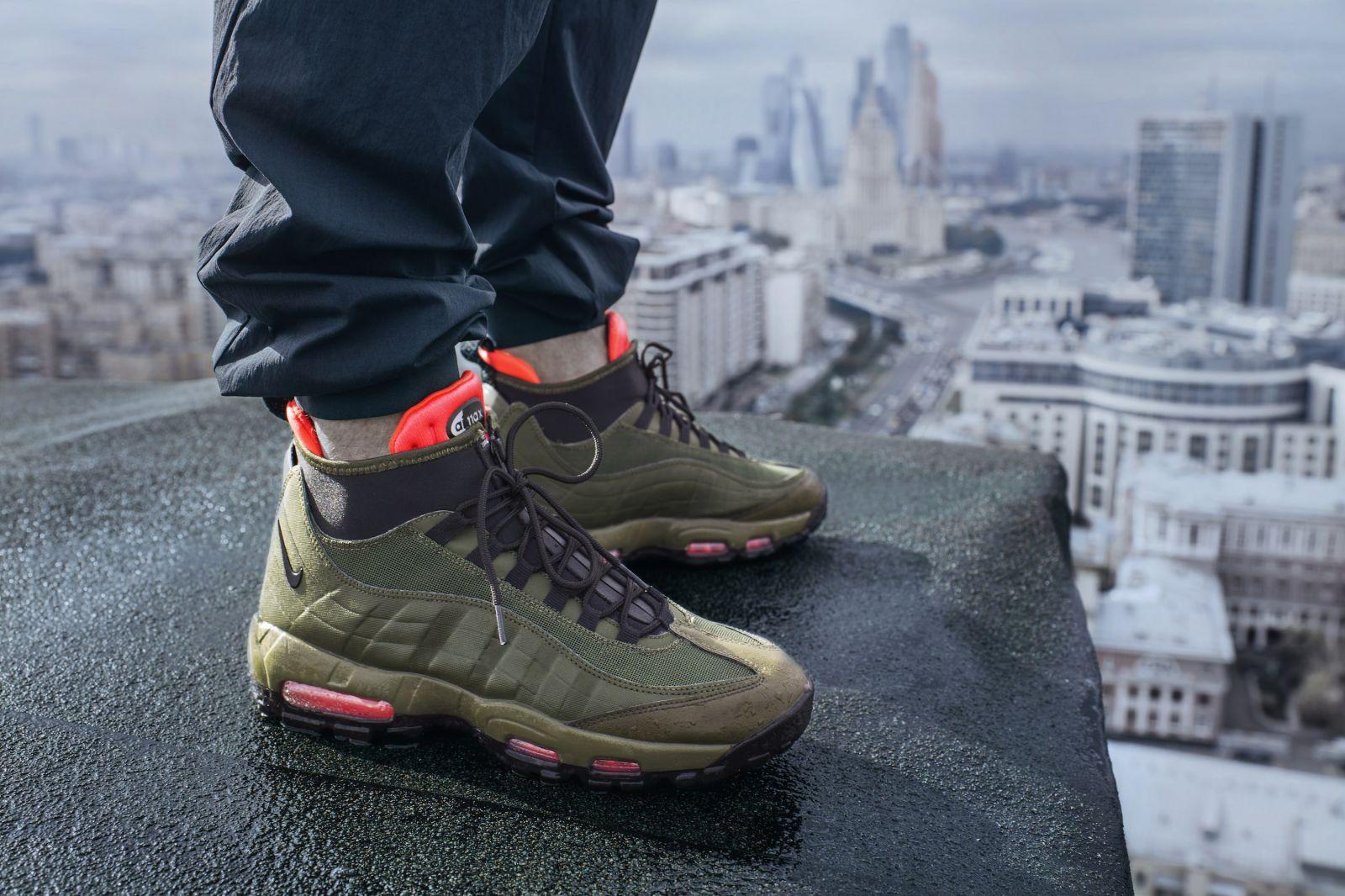 647861b4 Производители кроссовок стремятся создать универсальные модели, визуально  напоминающие симбиоз ботинок и мужских туфлей.