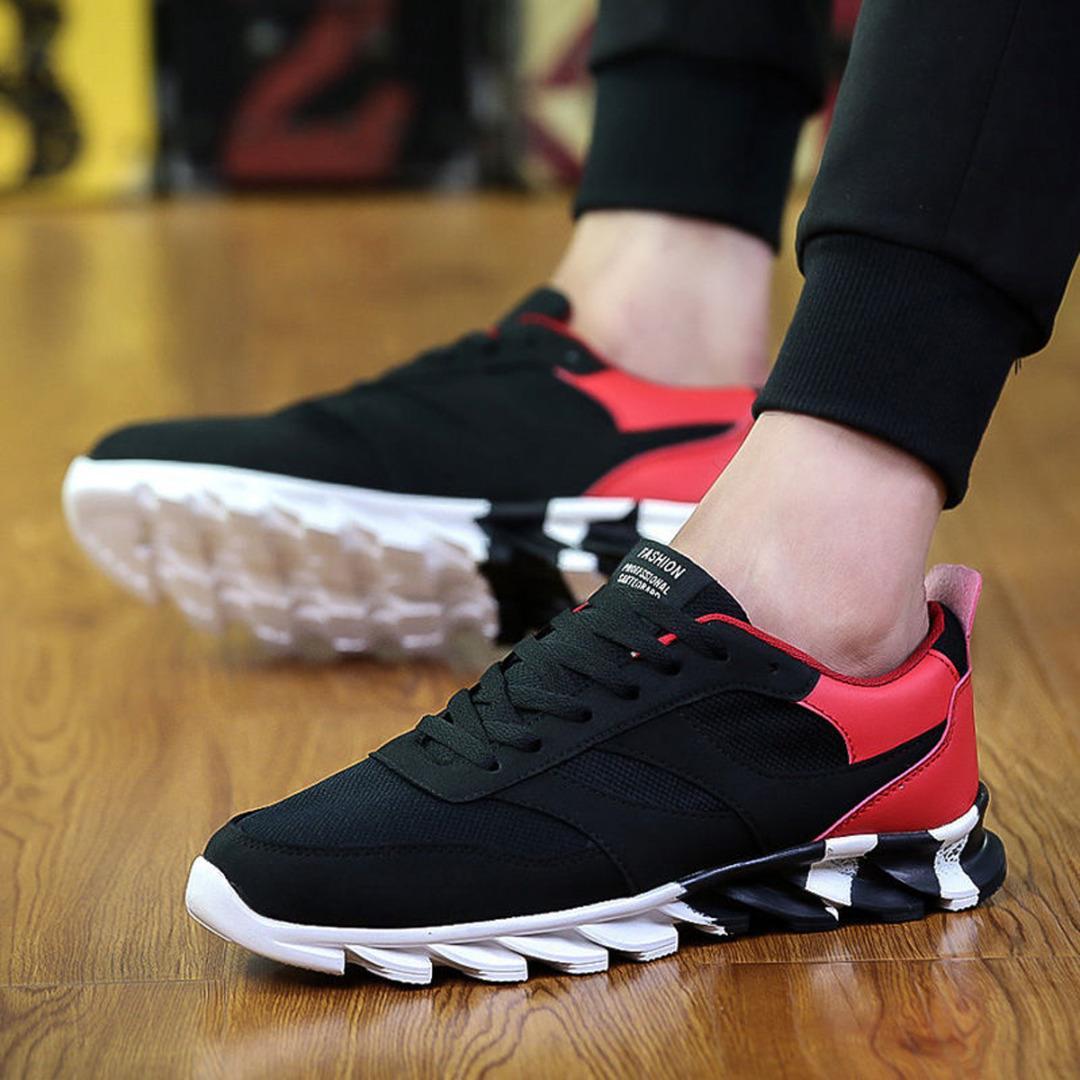 Производители кроссовок стремятся создать универсальные модели, визуально  напоминающие симбиоз ботинок и мужских туфлей. Мода 2018 ... 730ca4d9036