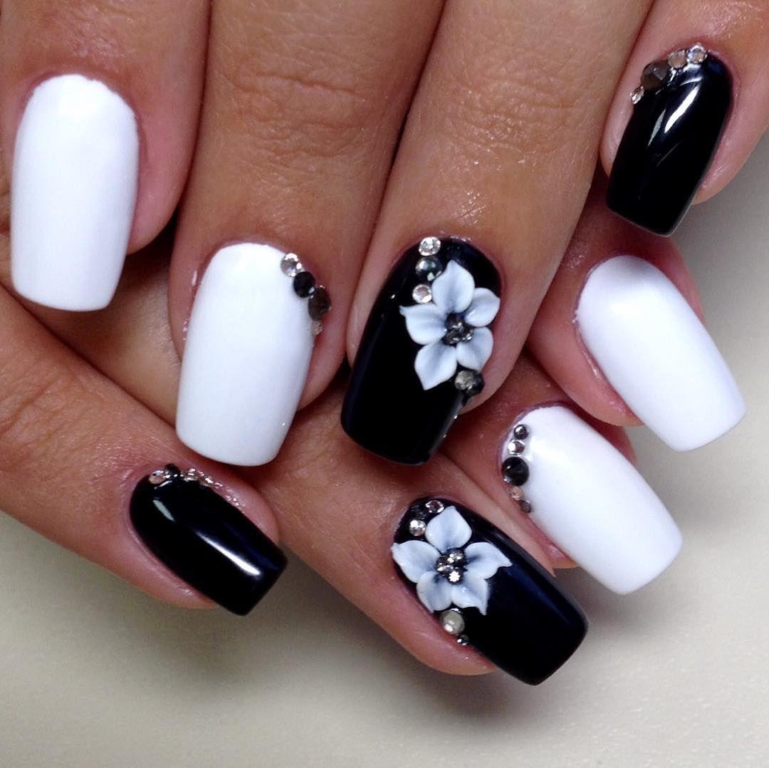 черно белая картинка дизайна ногтей могут указать нам