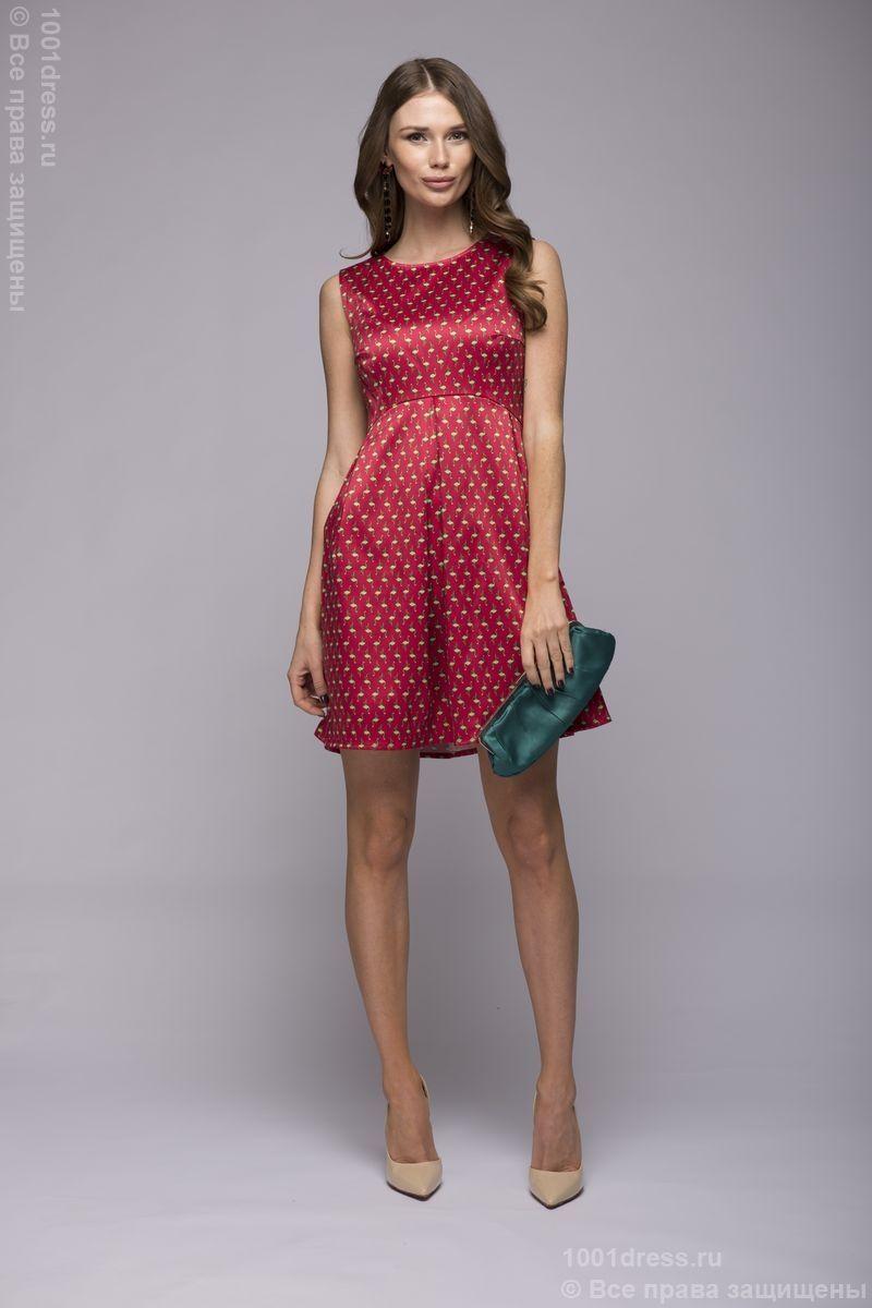 826e410c44ba В красном исполнении красиво выглядит красное платье-футляр с эффектным  вырезом-полоской в зоне декольте, модели с пышными юбками с подкладкой из  шифона, ...