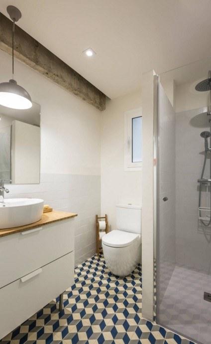 Модный дизайн маленькой ванной комнаты 2018 44