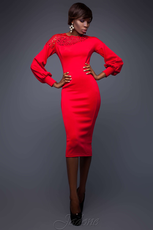 Schöne rote Kleider: faszinierende Modelle für besondere Anlässe
