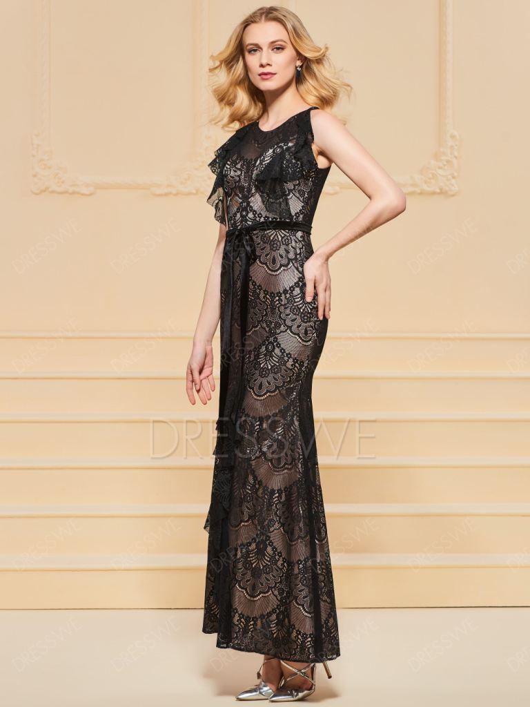 601712244b16 Designere anbefaler at vælge blonde kjoler med udskæringer på bagsiden  eller i halsen. I kombination med åbent mønster ser denne teknik utroligt  blid og ...