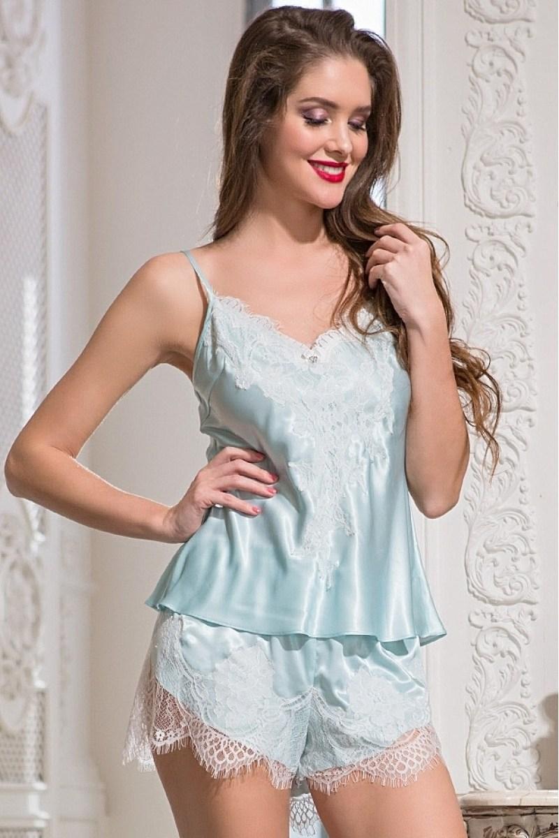 86961faa9e3f3 Шелковые пижамы с кружевом – это идеальное сочетание, поражающее своим  великолепным и сексуальным видом. Цвет кружева выбирается в зависимости от  цвета ...