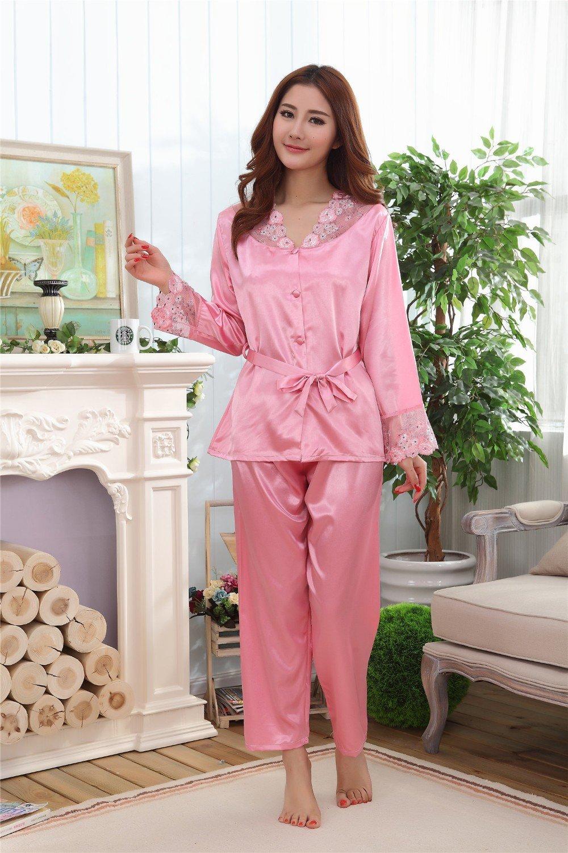 6a51d151b474c Женские шелковые пижамы: 100+ фото обворожительных фасонов