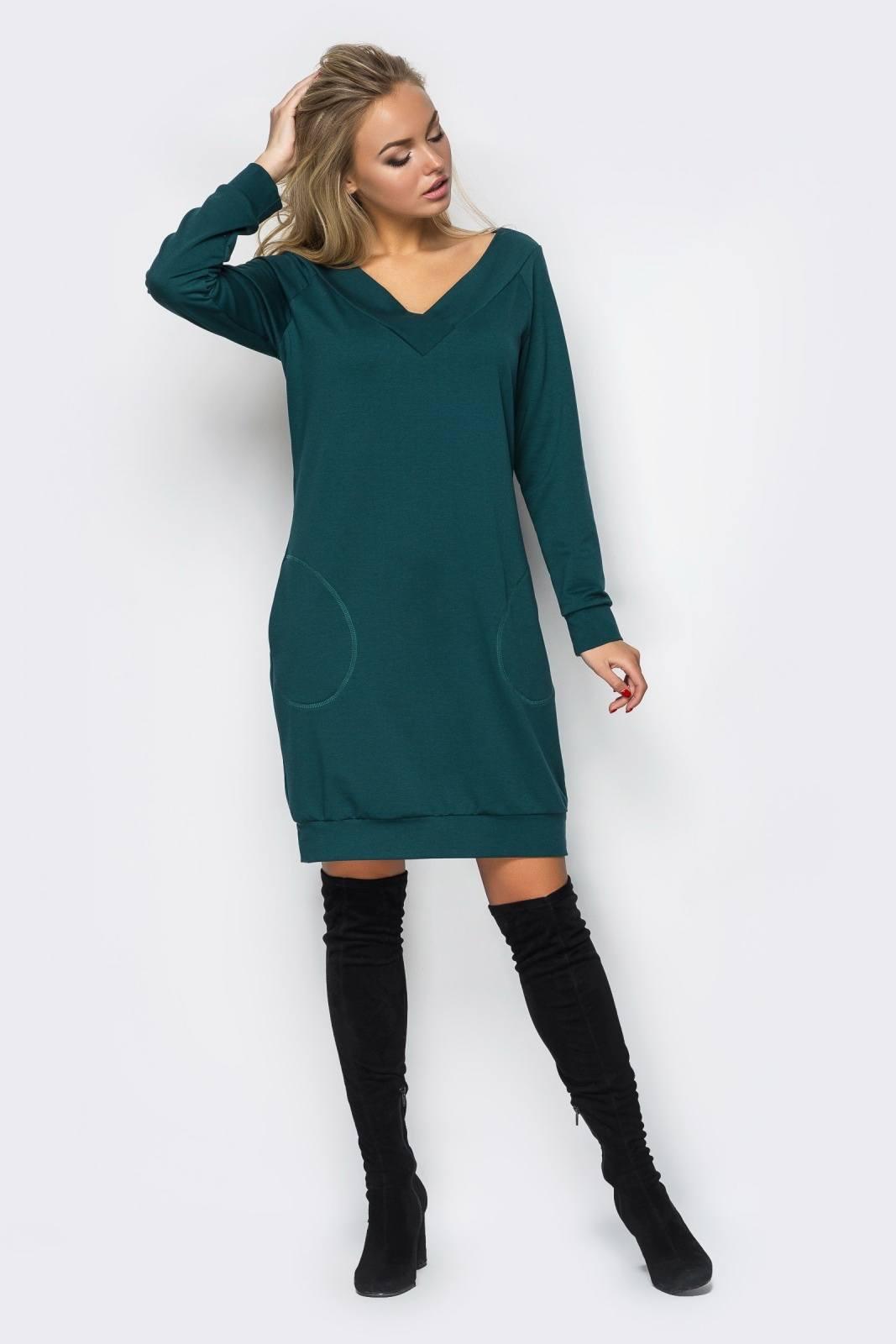 Повседневные трикотажные платья – это модели с контрастным декором в виде  полос, цветочных аппликаций, вставок необычного кроя. На женщинах всей  возрастов ... d6c7bd8fdc6
