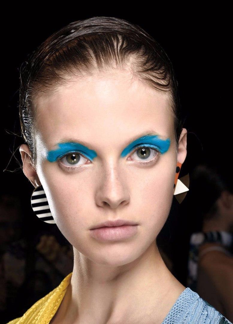 увлекаетесь рукоделием немодный макияж фото любом случае