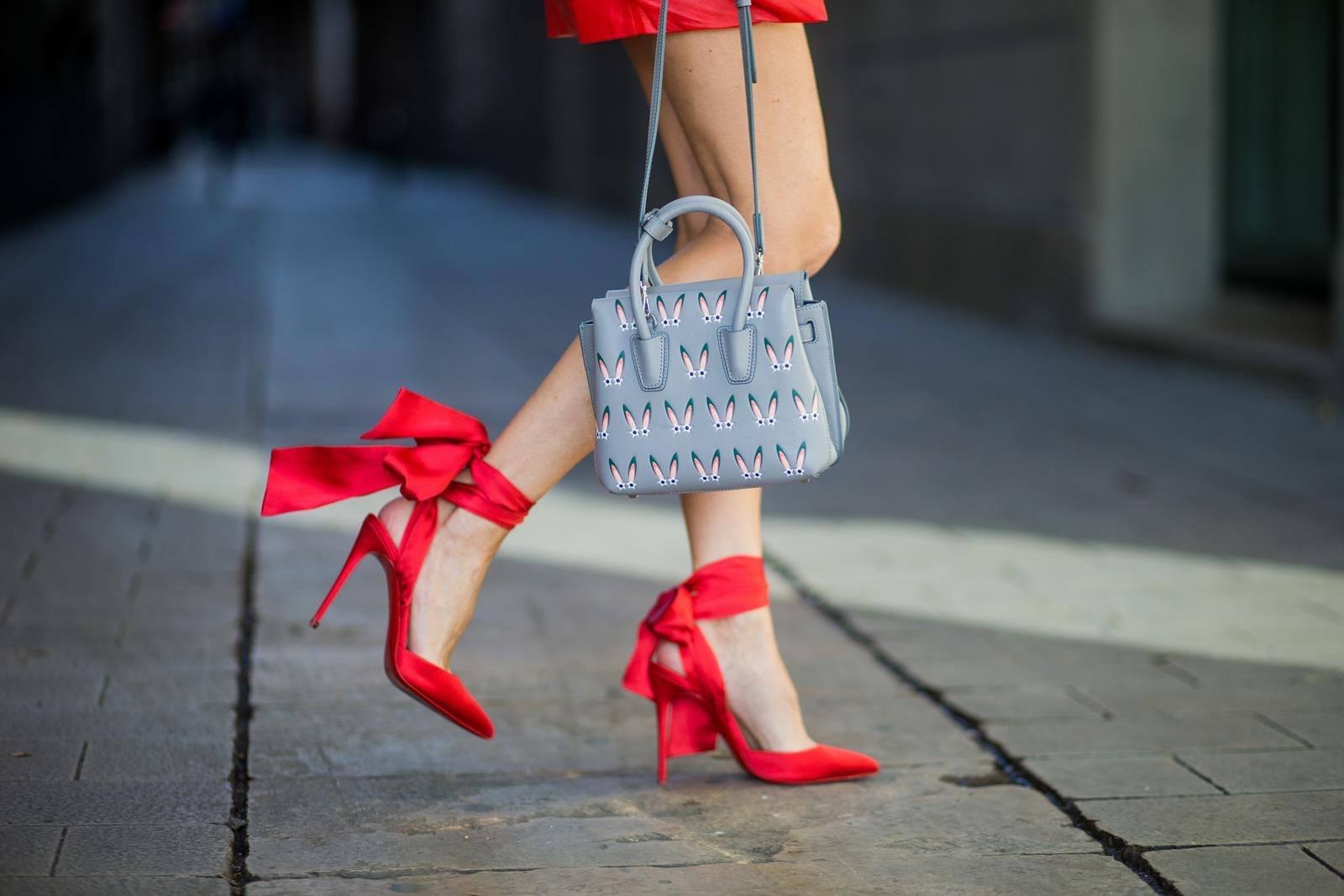 60ead6b97b25 Módne dámske topánky 2019  70 + najlepšie nápady na fotografie a obrázky