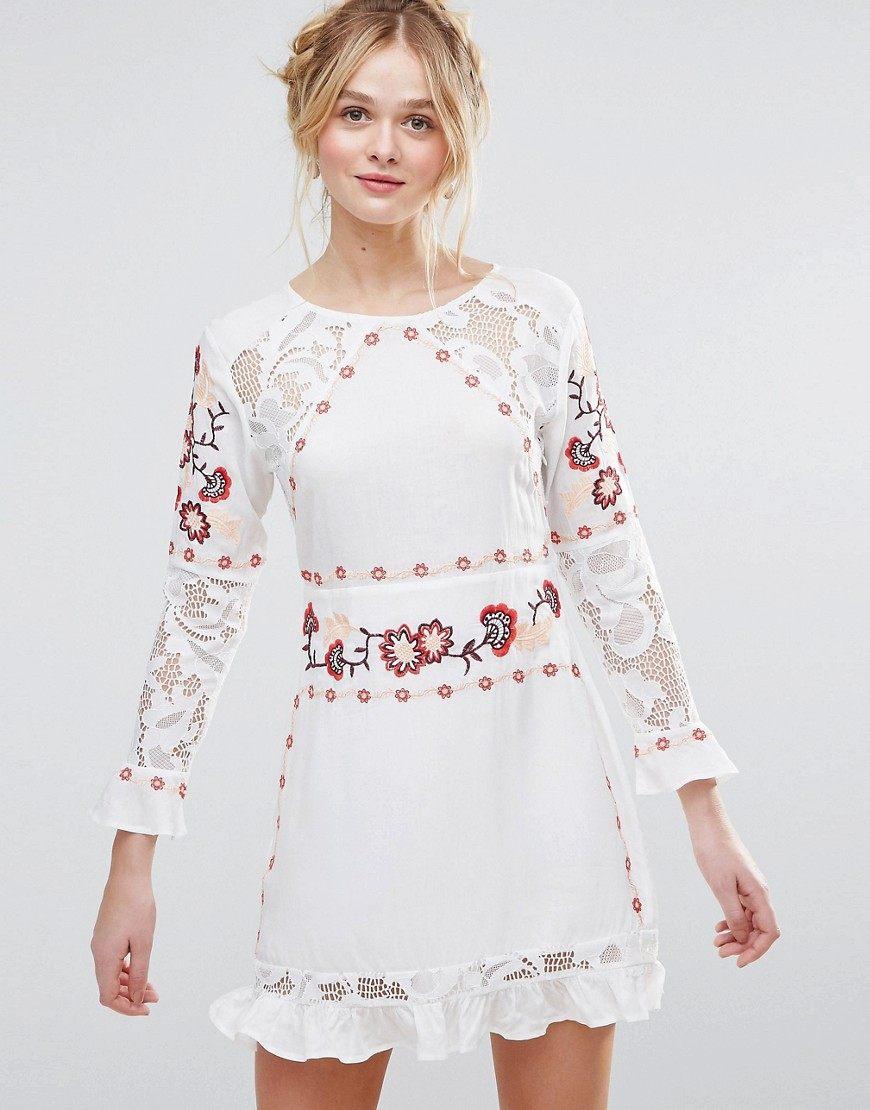 6db736a56359f83 Белое кружевное платье: 100+ фото модных фасонов, тенденций, новинок