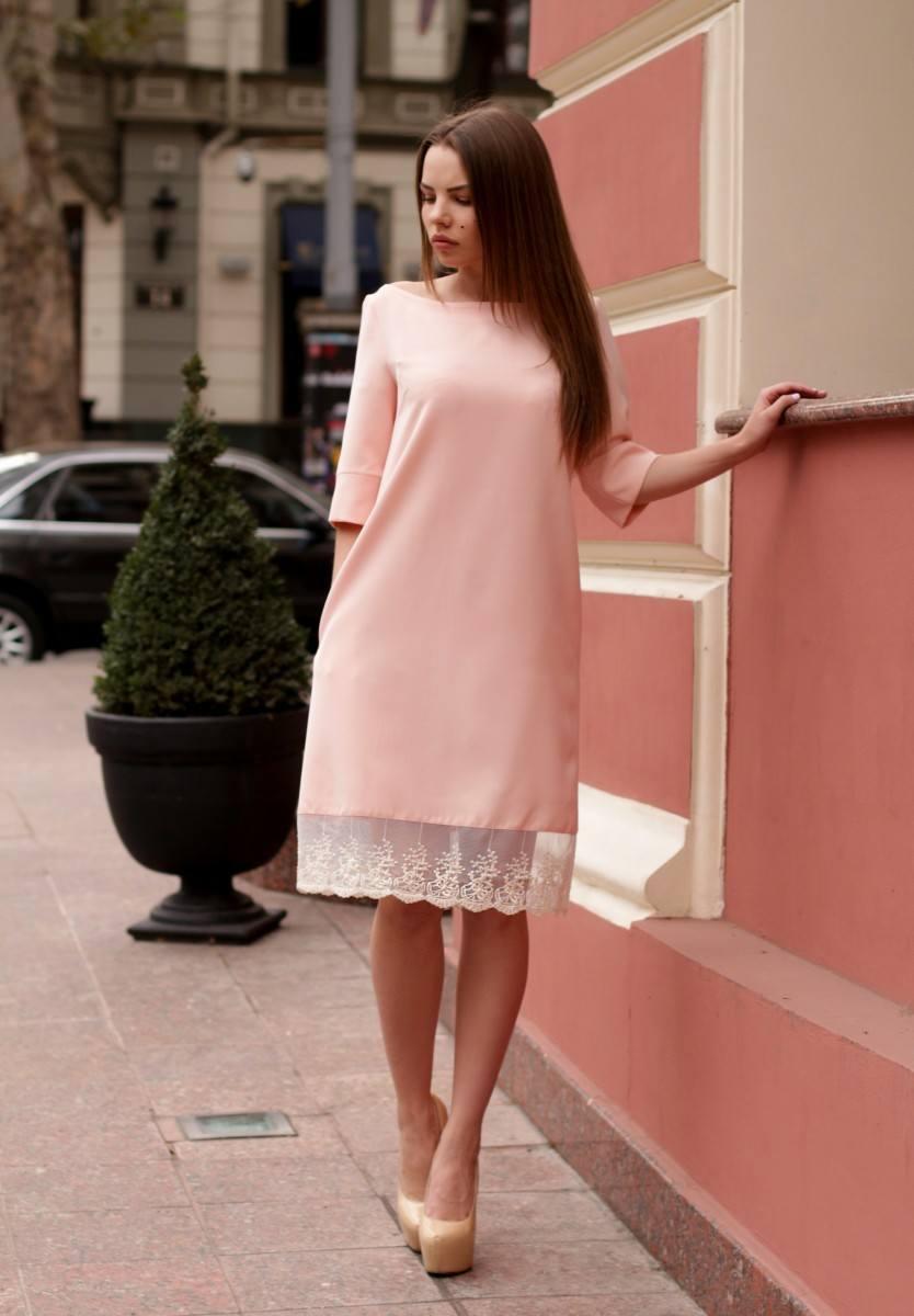 9fceaca846f9 Πλεκτά είναι το πιο βολικό και άνετο υλικό για τη μοντέρνα γυναικεία μόδα.  Πλεκτά φορέματα φαίνονται κατάλληλα σε οποιαδήποτε εικόνα