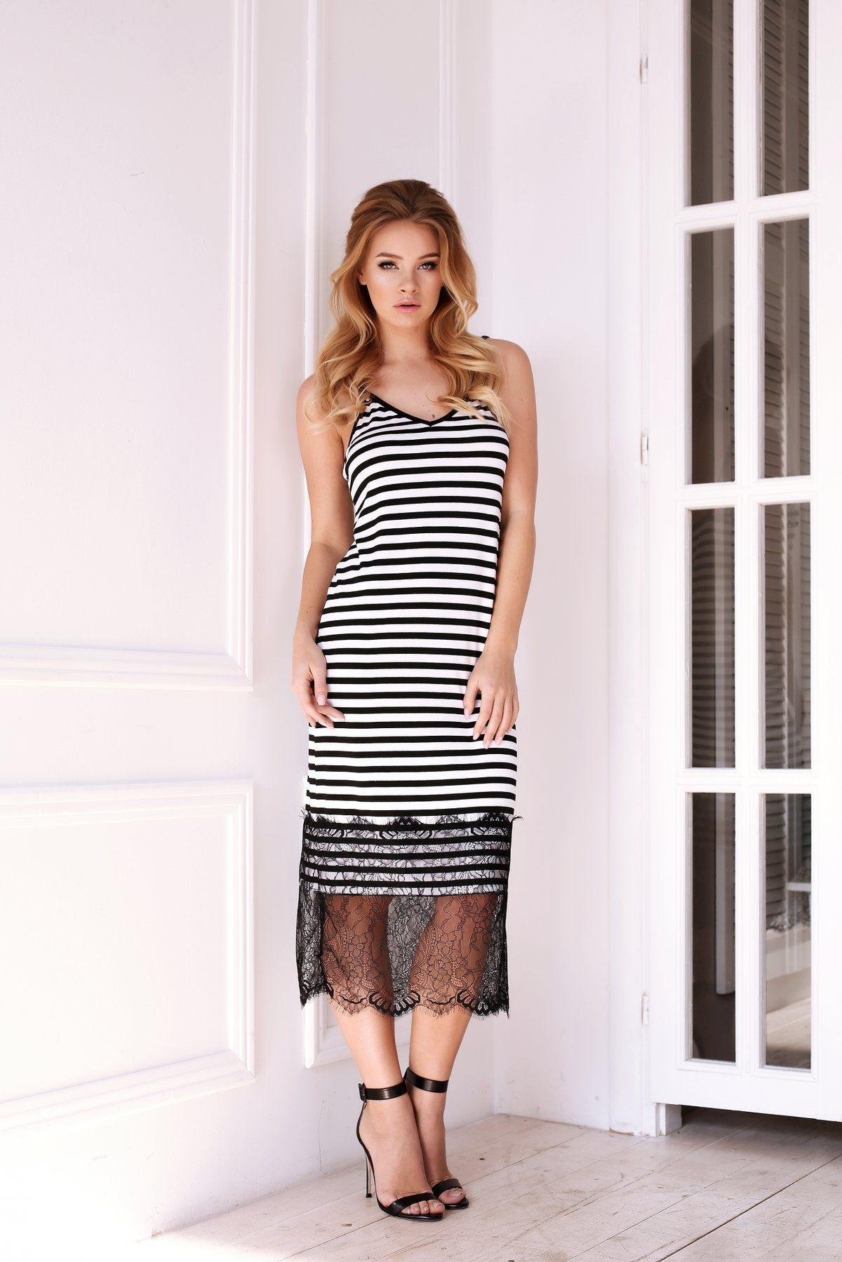 Πλεκτά είναι το πιο βολικό και άνετο υλικό για τη μοντέρνα γυναικεία μόδα. Πλεκτά  φορέματα φαίνονται κατάλληλα σε οποιαδήποτε εικόνα a05a54b13f3