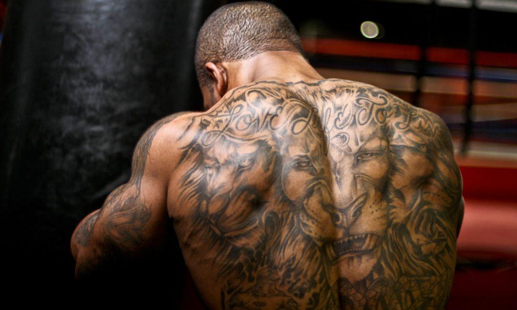 большая тату на спине
