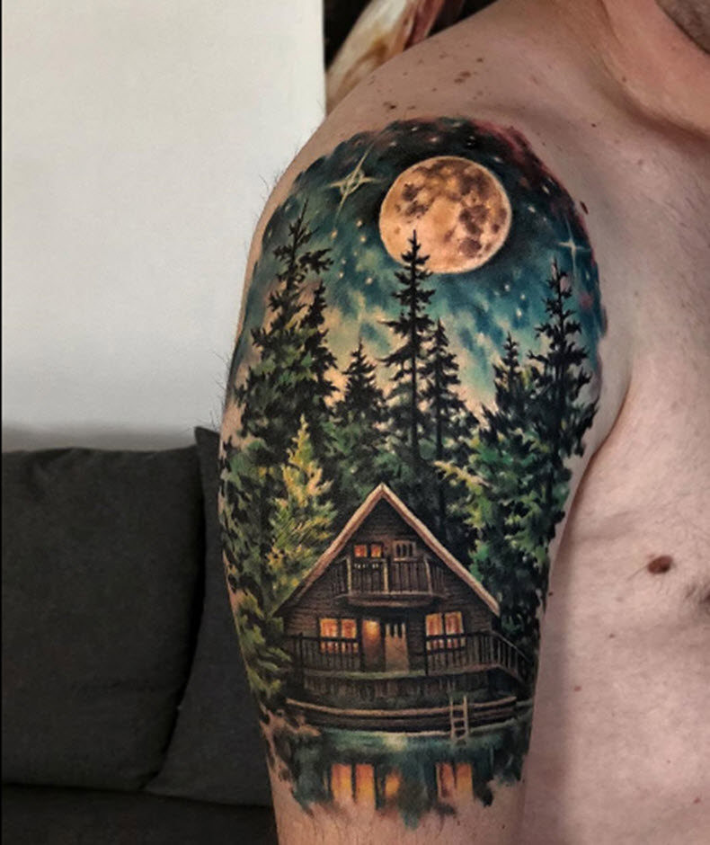 дом с лесом на плече мужчины