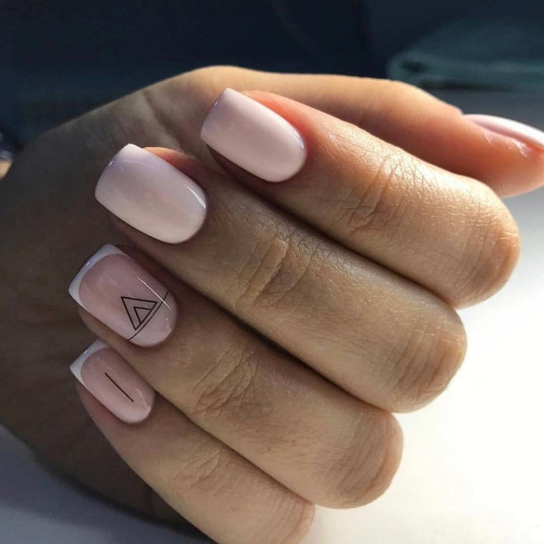 Дизайн Светлых Ногтей Со Стразами Фото