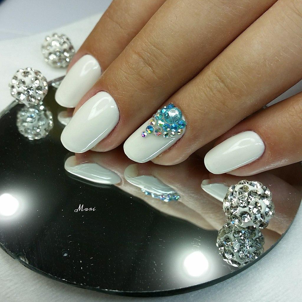 прекрасно дизайн ногтей с камнями и стразами фото все между этими