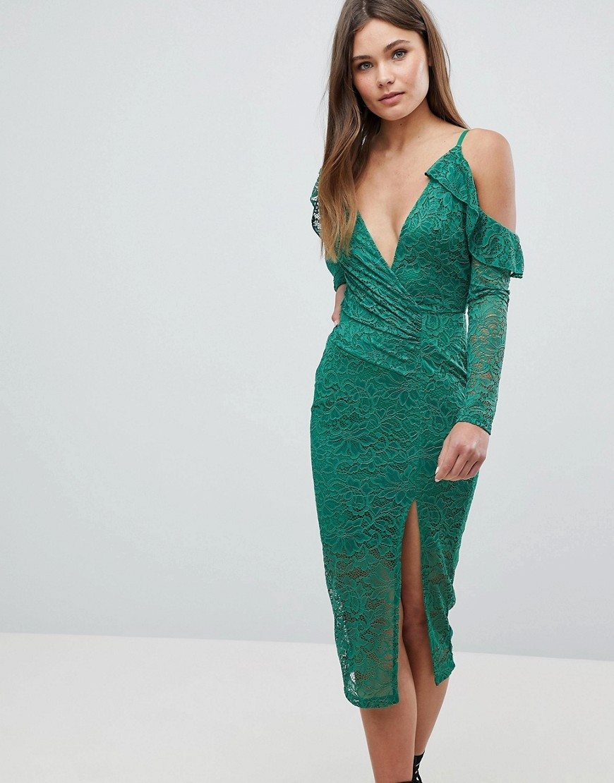 c09a57568c03 Šaty v svetle zelených tónoch v tieni šťavnatého letného trávnika sú pre  každodenné vyzeranie nenahraditeľné. Žlté šaty s olivovým podtónom