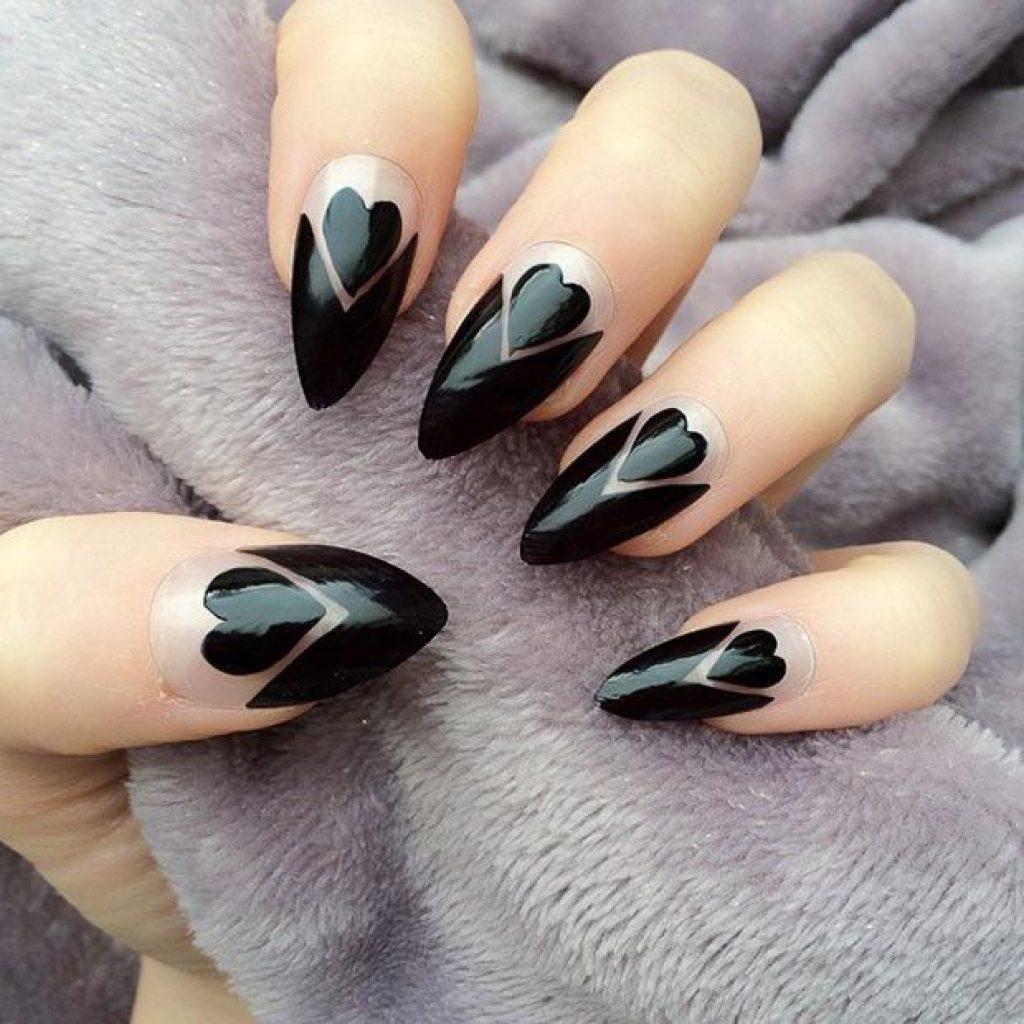 Непритязательный дизайн ногтей на все случаи жизни — это можно с уверенностью сказать о модном маникюре с оригами-рисунками.