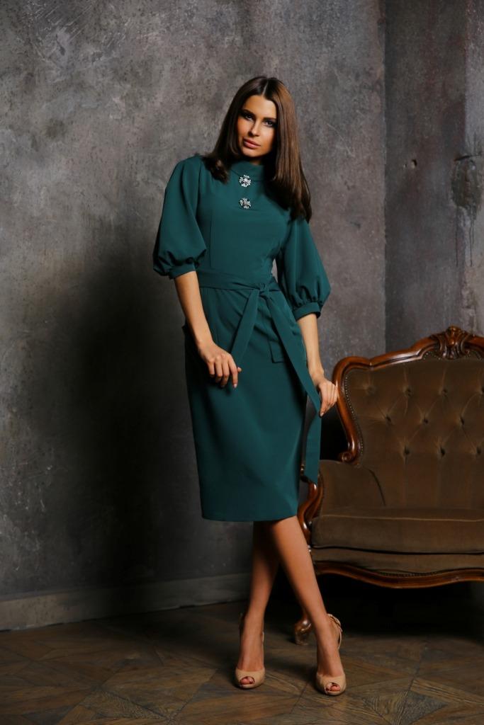 424b173d88e Takže šaty zelené barvy se mohou měnit pásem v černém