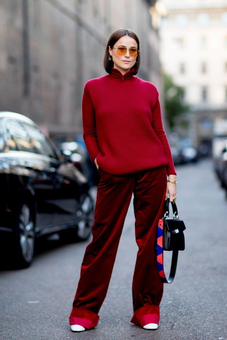 2862a53c4ee В нынешнем сезоне модные осенние луки выглядят оригинально и броско. Ушли в  прошлое комбинации в серых и черных тонах