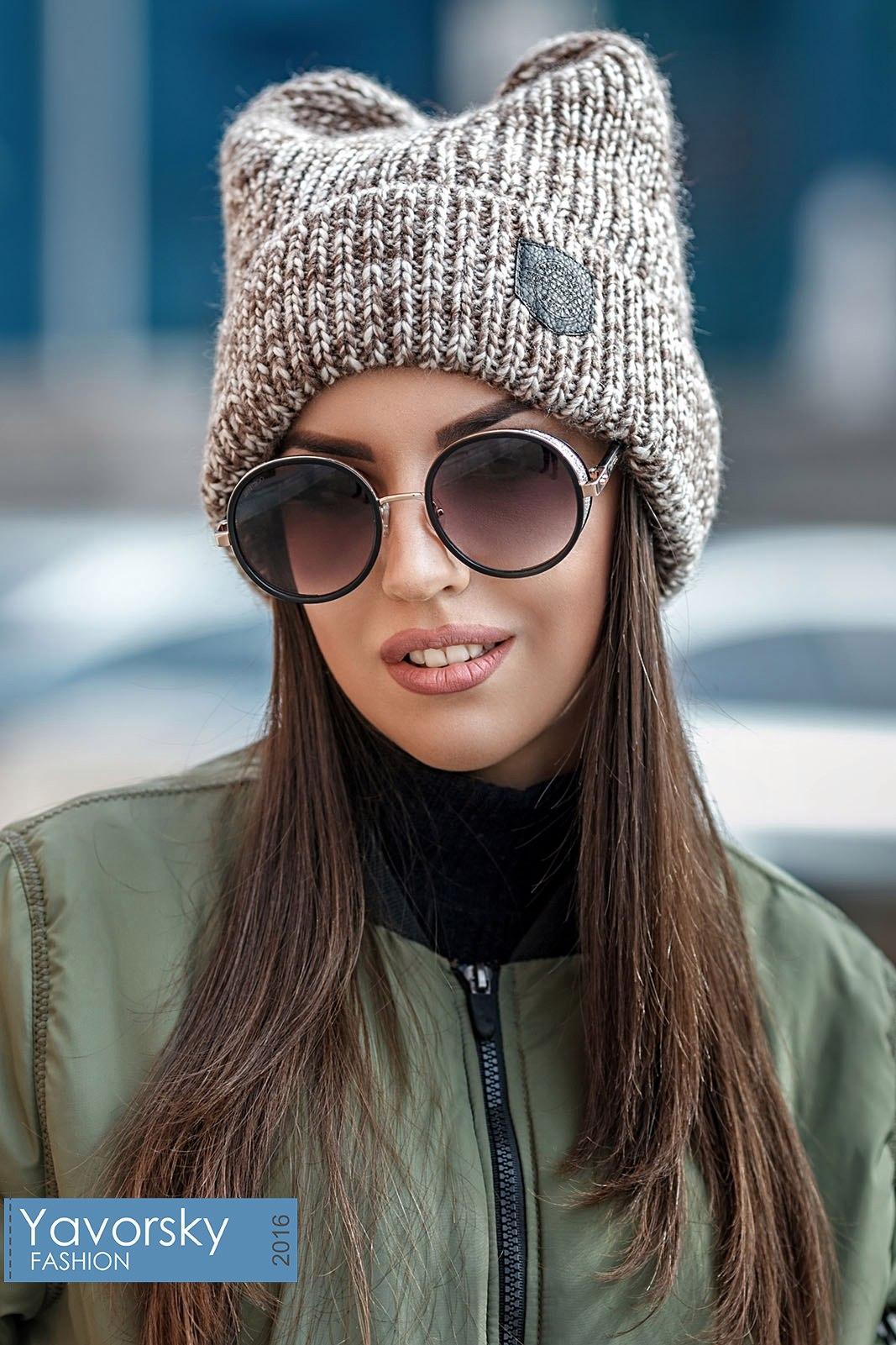 dfc5e17bdd67 Женские шапки: 100+ новинок и трендов сезона Осень-Зима 2019