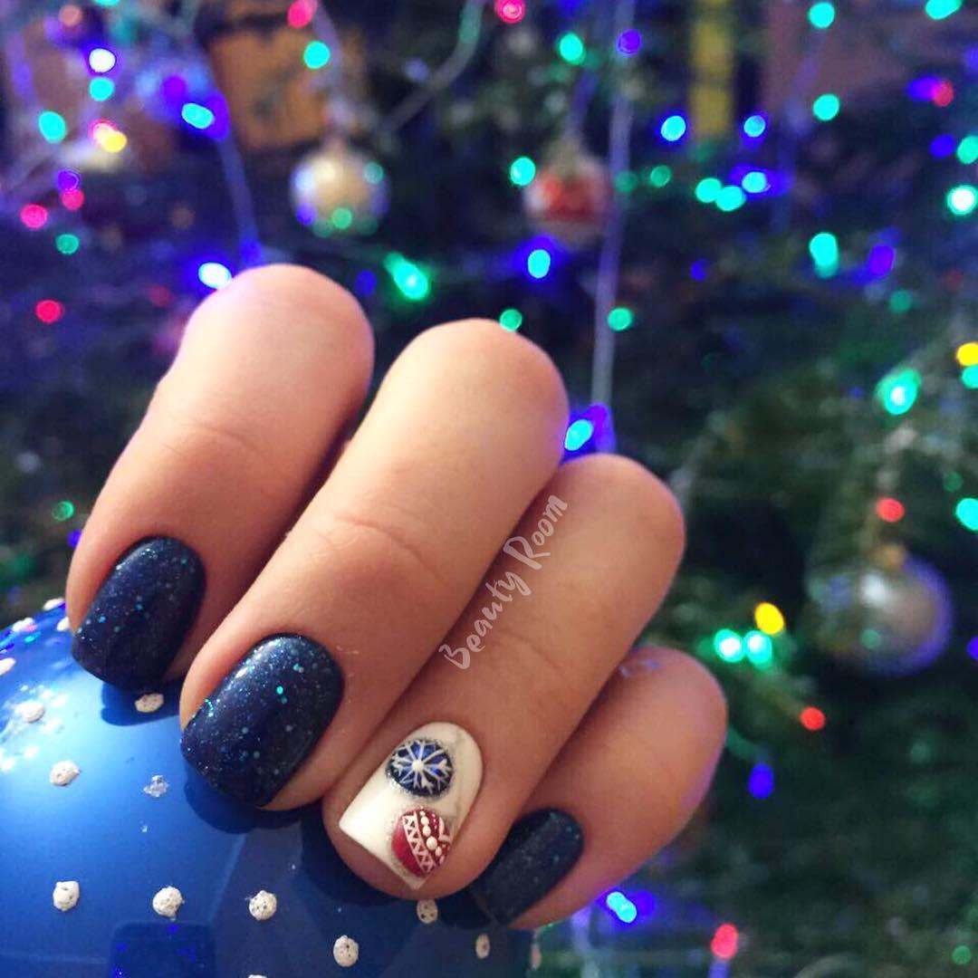 порадовать дизайн ногтей для нового года фото это