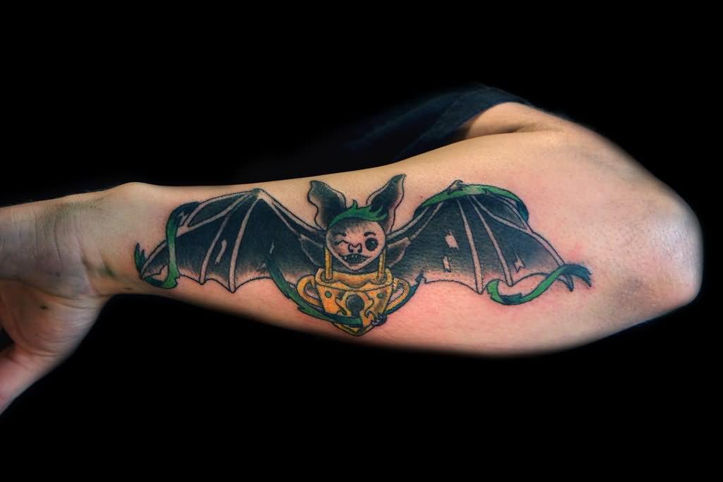 покупателей картинки летучих мышей для тату популярные варианты обычной