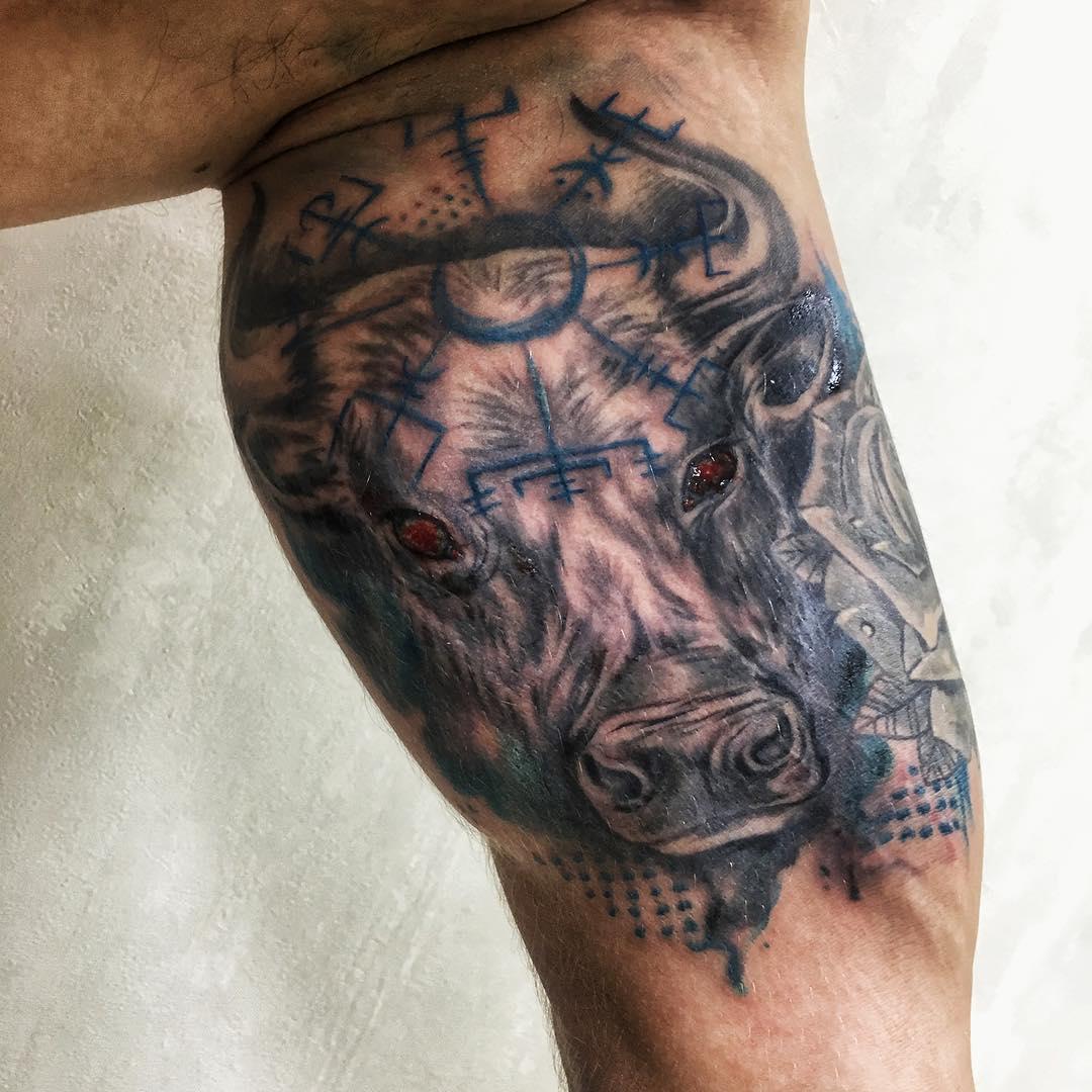 оживающее фото тату быки тельцы фото выяснилось
