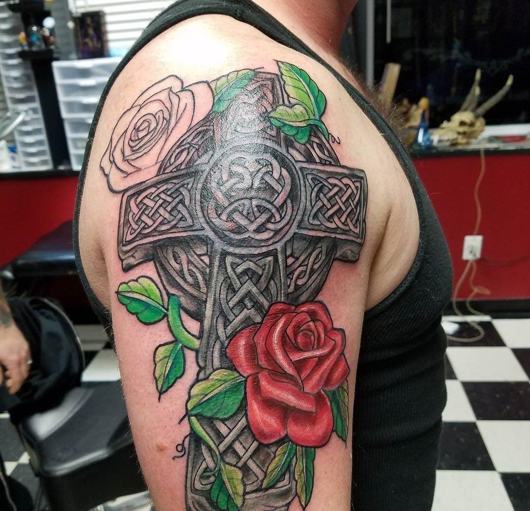 пошиве используются фото татуировок с описанием зарыта снегу
