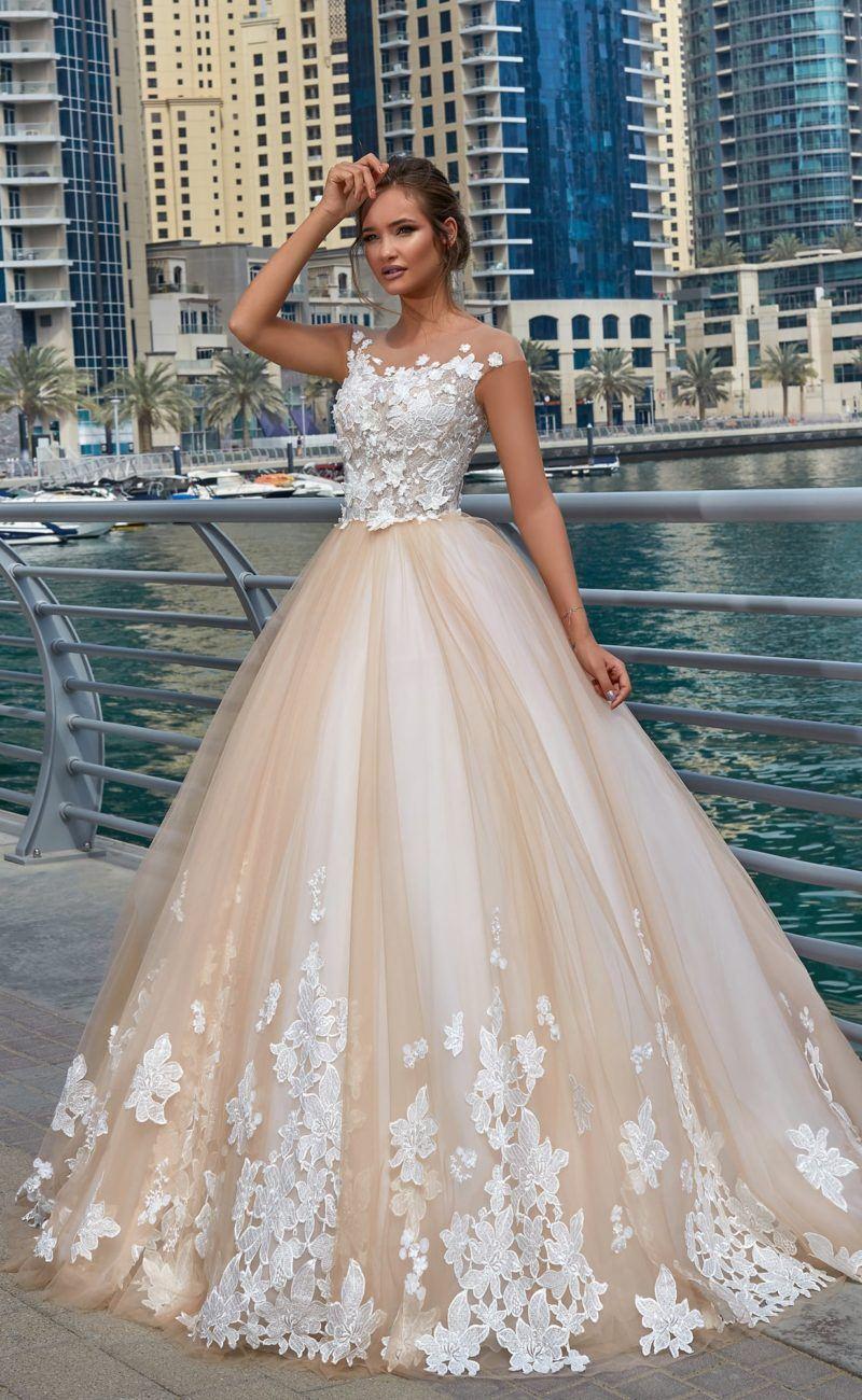 Свадебные платья со шлейфом - 78 фото эталонного формата
