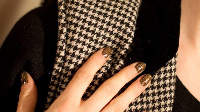 Дизайн ногтей коричнево бежевых тонах